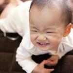 赤ちゃんの便秘の原因って?母乳が原因で便秘になるの?
