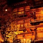 都市伝説 温泉旅館の奇妙な体験!額の裏にある御札