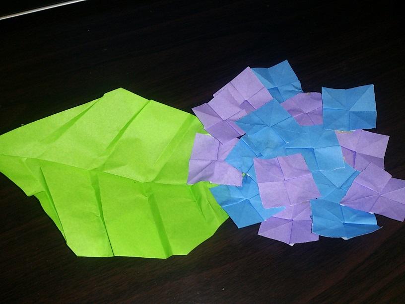 すべての折り紙 折り紙 花 ひまわり : あじさいの折り紙の簡単な折り ...