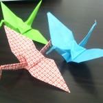 折り紙の鶴の折り方!雨の日の室内遊びや七夕飾りにどうぞ♪