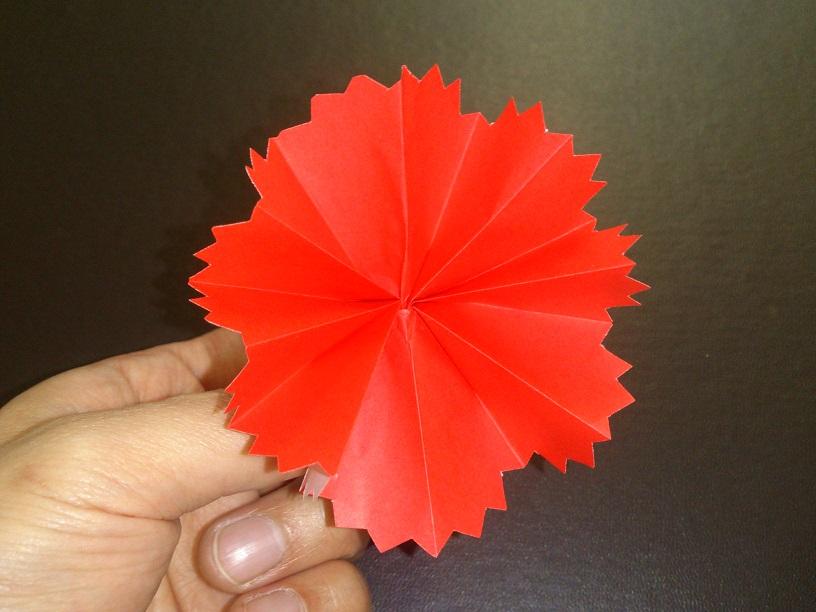 すべての折り紙 折り紙 プレゼント 花束 : 折り紙の花の折り方!母の日に ...