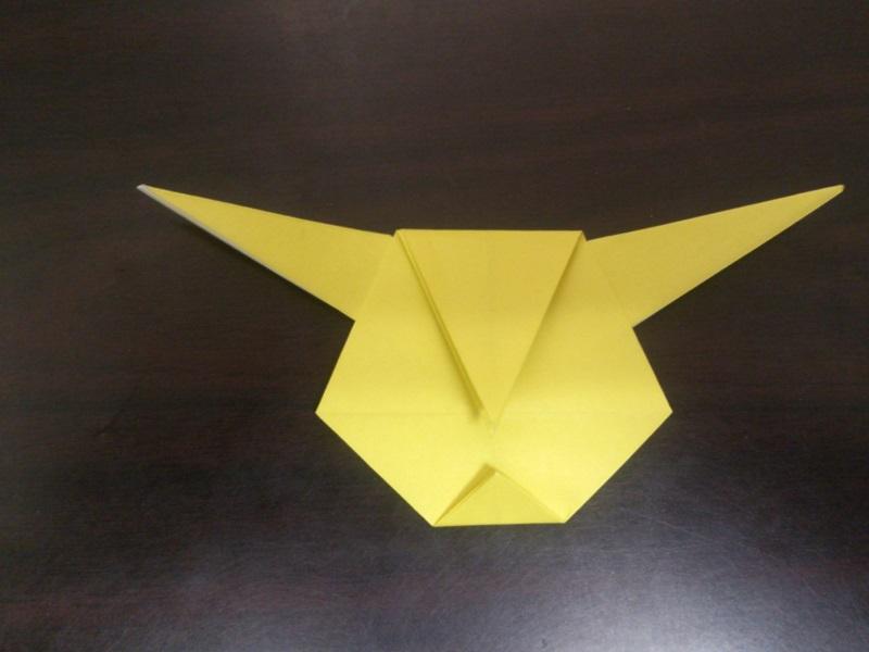 すべての折り紙 折り紙 折り方 ポケモン : ポケモンの折り紙!ピカチュウ ...