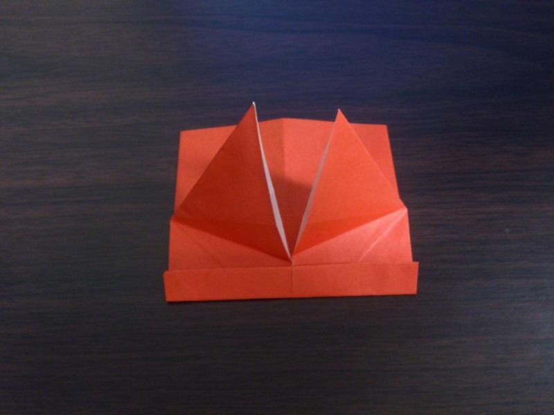 すべての折り紙 折り紙 メダル 簡単 : 写真のように下から出ている ...
