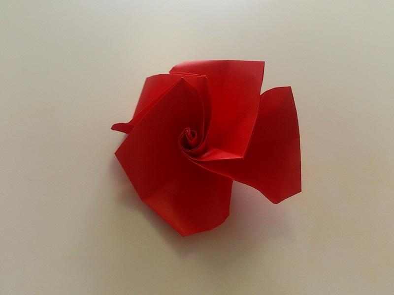 すべての折り紙 折り紙 バラ 立体 : 今回は、 折り紙の立体のバラ ...